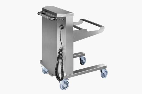 Манипуляционная электрическая аккумуляторная тележка с подъемным механизмом